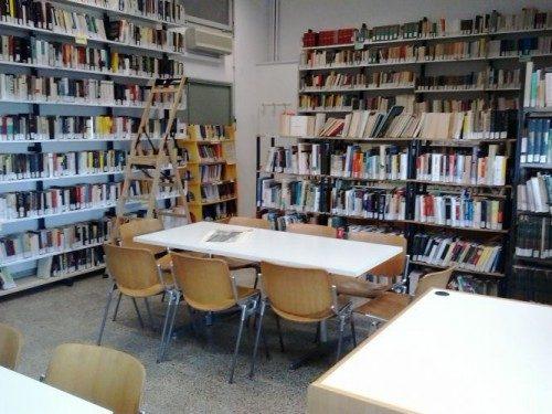 Voglio fare una casa editrice, che pubblica libri di scrittori emergenti. Capitale necessario: 6540 euro.